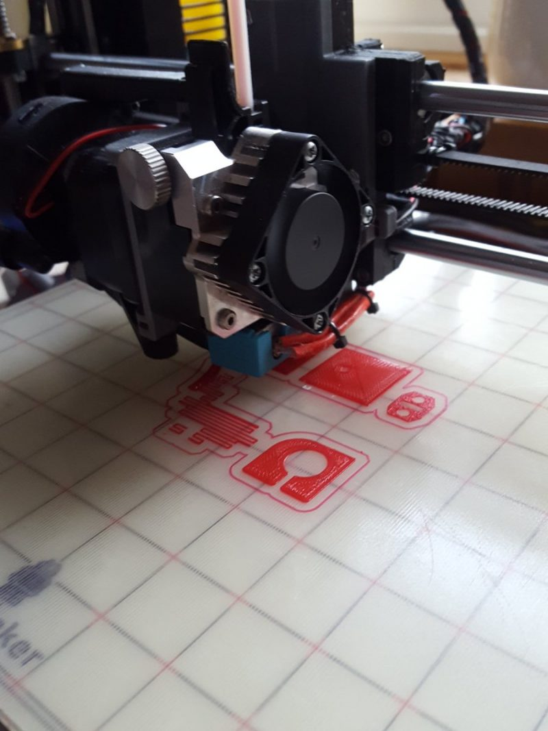 Finally getting round to printing some of red @RealFilament petg #adoptabot part...