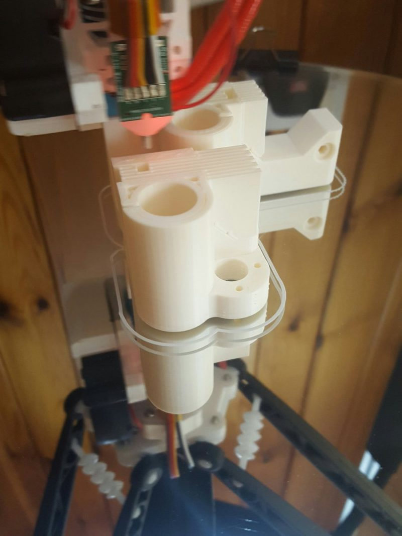 Buttery smooth @rigidink white abs on mirror glass at 100°c using @3dlac = simpl...